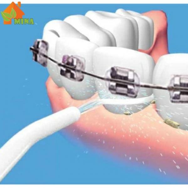 Tăm Nước Thông Minh Làm Sạch Kẽ Răng