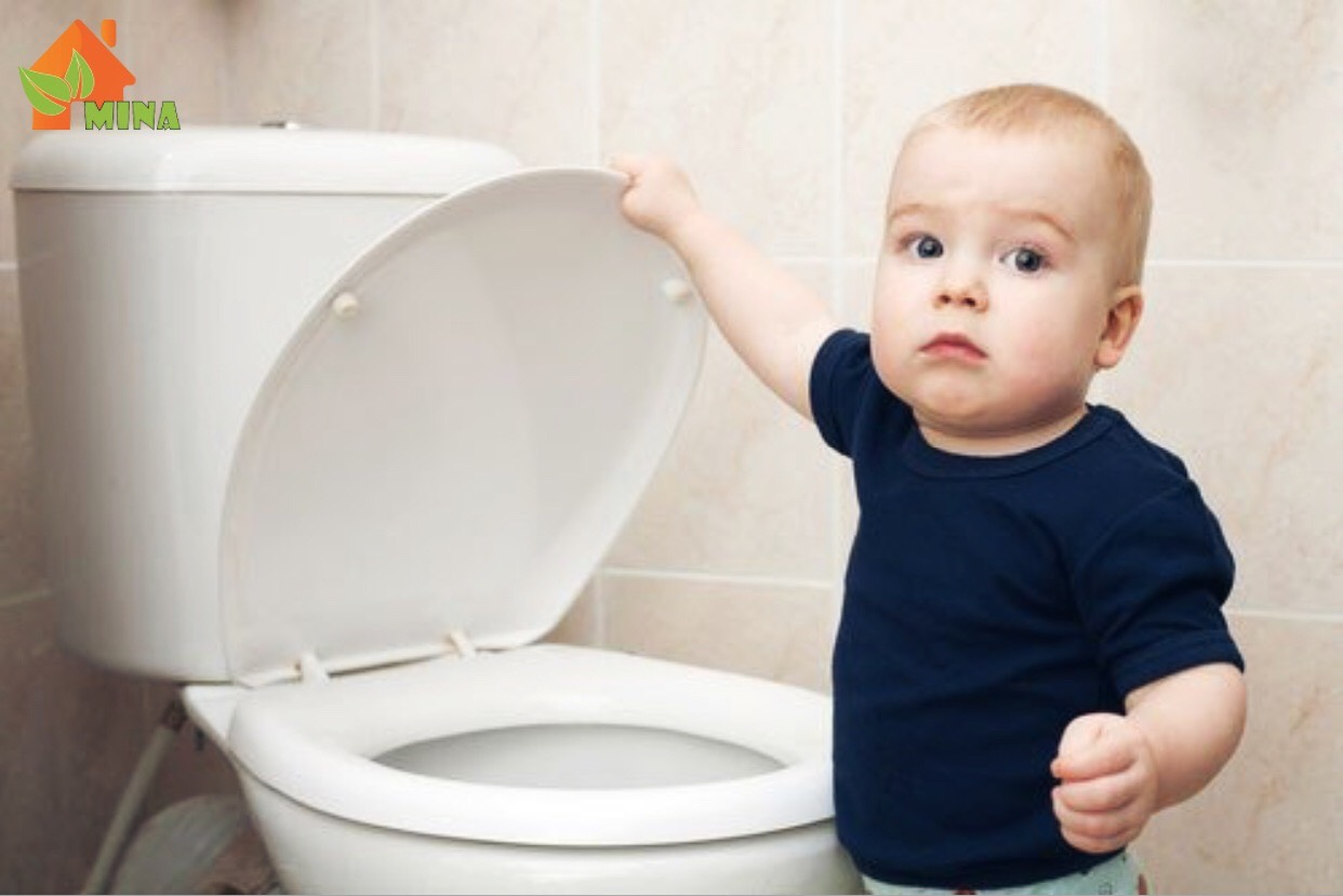 Rèn tự lập cho trẻ tự vệ sinh