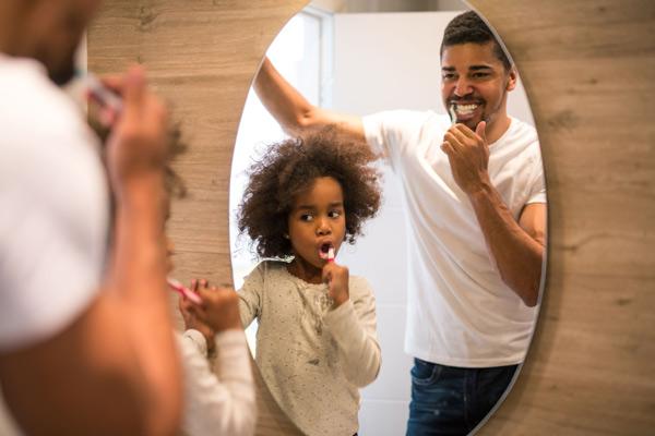 Đánh răng ngừa mảng bám